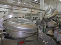 Машинно - шприцовочное отделение цеха по производству вареных колбас Микояновский мясокомбинат